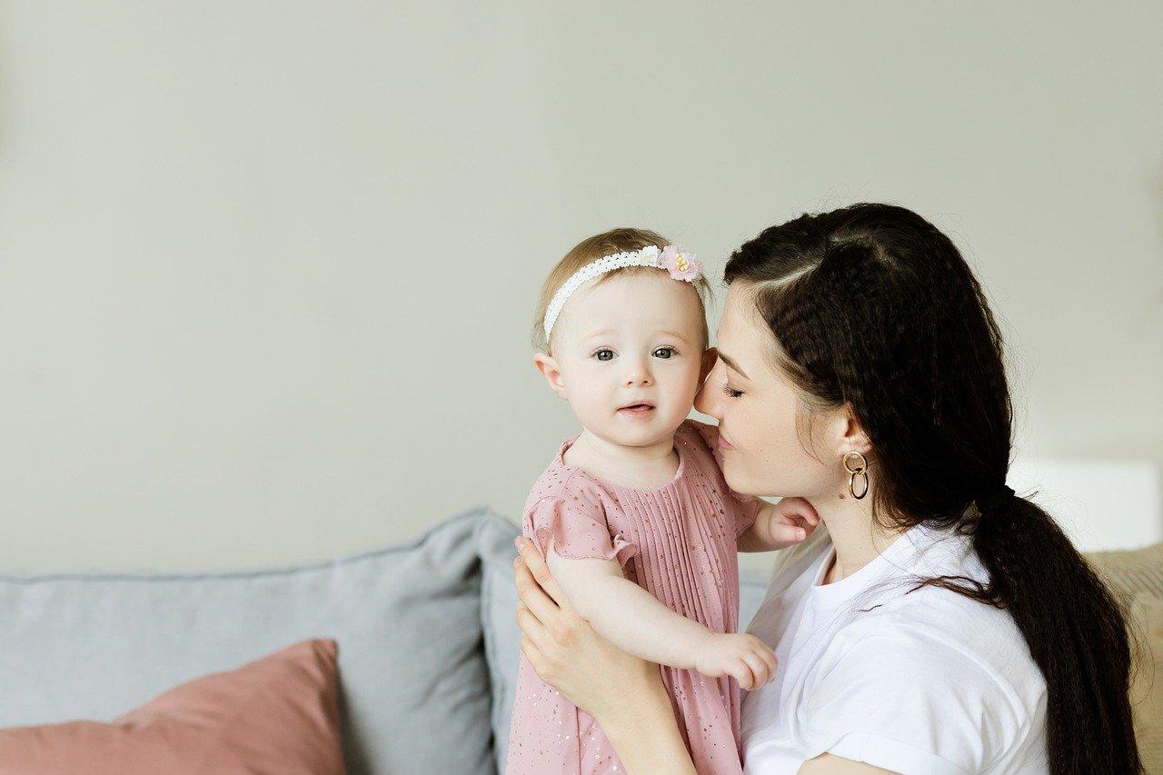 赤ちゃんへの防災が上手くいくと信じるお母さん