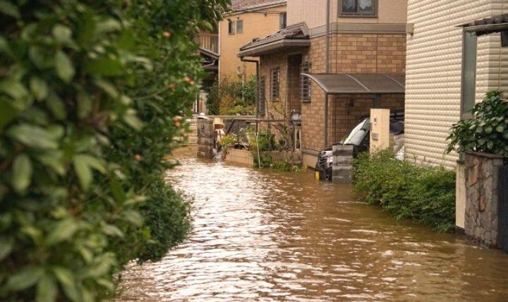 浸水(しんすい)した住宅